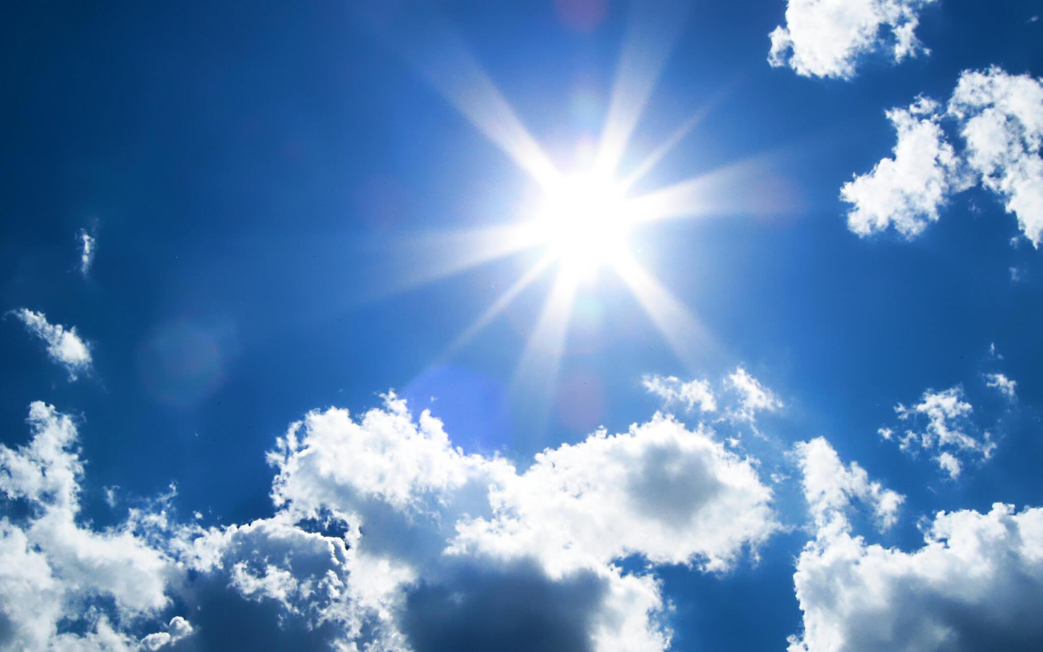 Nature_Clouds_Sunshine_028618_